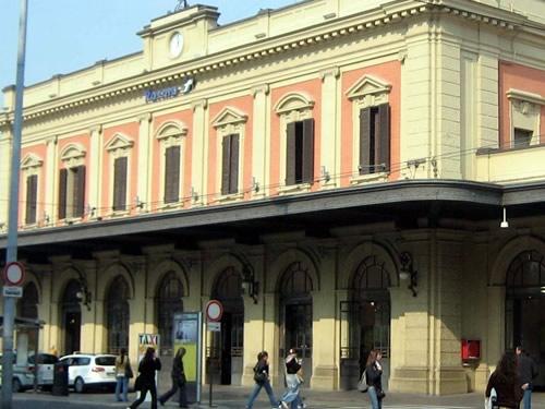 stazione treni Parma