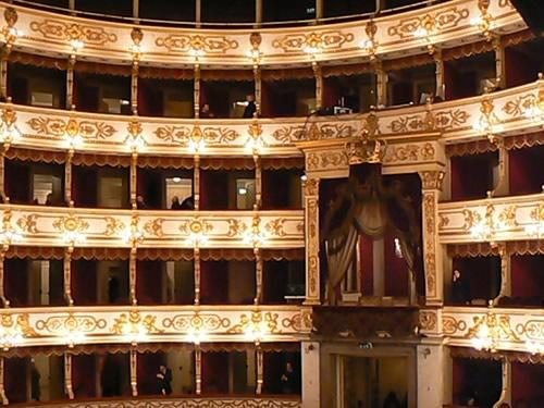 teatro regio parma foto